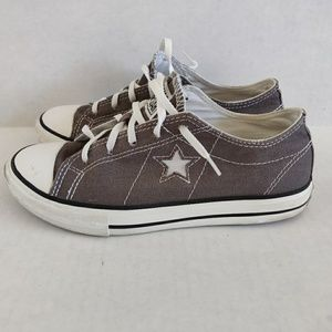 Converse One Star Low Sneakers Size 4